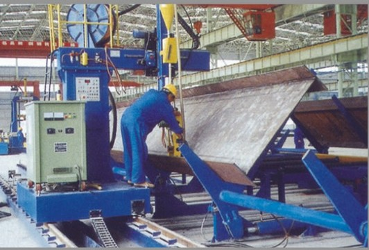 H beam cantilever welding machine